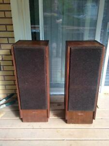 Optimus T-100 Speakers    $90 Kawartha Lakes Peterborough Area image 3
