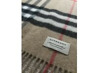 Beautiful genuine Burberry Classic Check Cashmere Scarf