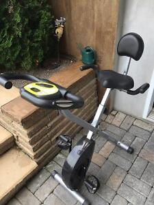 Vélo stationnaire à vendre