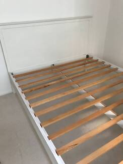 OFF-WHITE TIMBER QUEEN BED frame