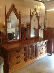 Beautiful dresser for sale!