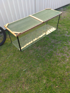 Two reptile tanks and stand free Browns Plains Logan Area Preview