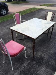 Wrought iron Table + 3 chairs + 2 tops
