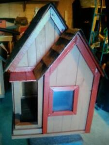 Insulated & Non-Insulted Dog Houses