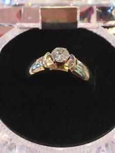 #1128 14K Ladies engagement ring size 7 1/2!