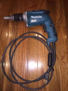 Makita FS6200 6000 RPM Drywall Screwdriver - Visseuse Makita