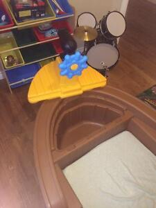 Little Tykes Toddler Pirate Ship Bed Peterborough Peterborough Area image 2