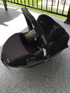 Siège d'auto (coquille) pour bébé - Maxi Cosi PREZI West Island Greater Montréal image 4