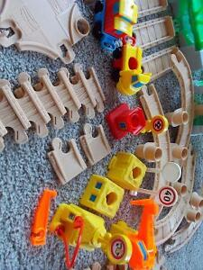 Fisher Price Flip Track 1992 Vintage - 71 pieces London Ontario image 7
