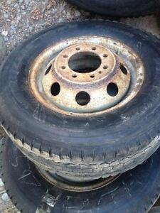Dually rims Ford 8 stud with Blizzacks