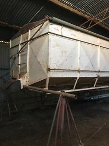 Bulk bin with centre auger Lake Bolac Ararat Area Preview