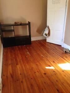 Room  available. Downtown location. $375 a month Peterborough Peterborough Area image 1