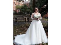 Ivory Wedding Dress size 16, lace corset, off-the-sholder, sweetheart, sleeves