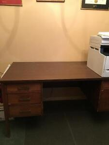 Desk for student, home or office. Cambridge Kitchener Area image 1