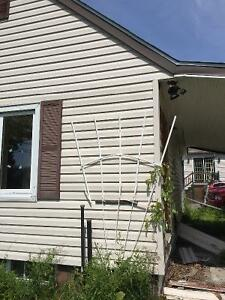 1000 sq ft of siding in great shape, need gone!