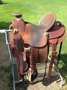 "15"" Roping saddle w/ wade tree"