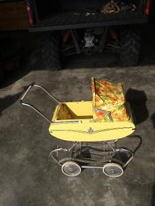 ANTIQUE BABY CARRIAGE (EXCELLENT CONDITION.) $50.00