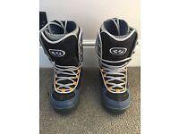 32 tariff men's snowboard boots size 9