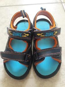 SLIPPER/SANDALS/BOOTS/SHOES FOR TODDLER SIZE8-9 Kitchener / Waterloo Kitchener Area image 4