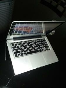 """IMMACULATE condition Macbook pro 13"""", Late 2011, 500 GB HDD"""