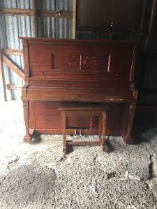 Farrand Detroit player piano Belleville Belleville Area image 1
