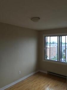 $750 / 3br - Chomedey Laval, 5 1/2 Appartment a Louer (Chomedey)