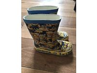 Size 7 minion wellies good condition