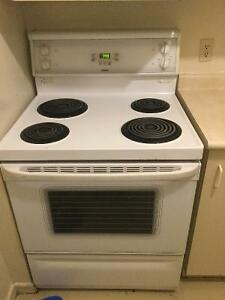 """Hot point stove works great """" looking to sell by tomorrow """""""