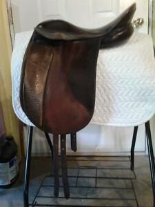 Thoroughbred Dressage Saddle  Walsall England Prince George British Columbia image 1