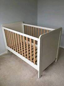 Mamas and papas rialto cot bed toddler child's infant