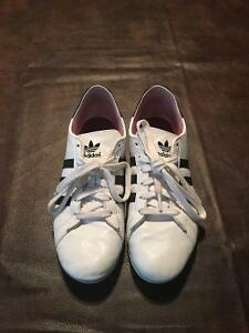 Women's Size 9 Indoor Soccer Shoes