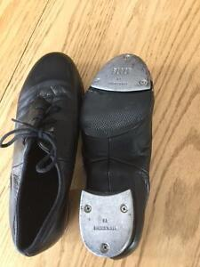 Bloch Tap Shoes - Size 6M (Fit small)