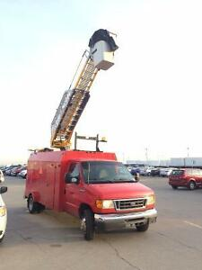 2006 Ford E450 Superduty 38' Bucket Truck SIGN TRUCK WITH LOW KM