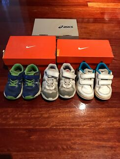Size uk8.5 boys toddler runners Nike and Asics
