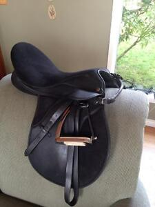 "16"" all purpose Thorowgood saddle"
