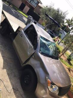 WRECKING TOYOTA HILUX 2005 2.7 LITRE Burleigh Heads Gold Coast South Preview