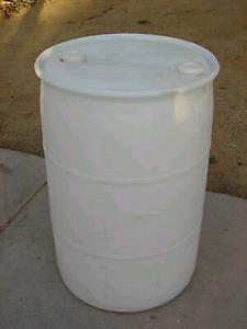 Plastic barrels (205L)