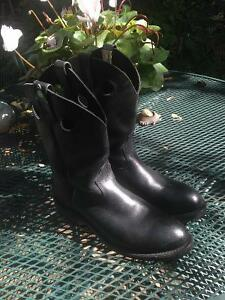 SALE! Canada West boots with rain covers A001