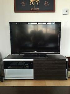 BEAUTIFUL IKEA TV STAND FOR SALE