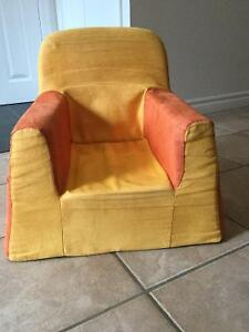 P'kolino toddler foam chairs and fold-out sofa. Kitchener / Waterloo Kitchener Area image 2