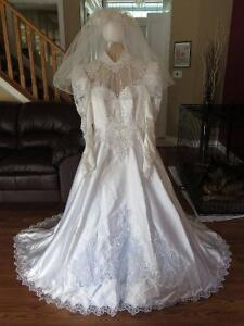 Elegant Wedding dress for your special day