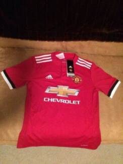BRAND NEW! Man United Official 2017/18 Adidas Jersey Boys Size 12