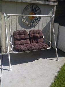 Swing buy or sell patio garden furniture in edmonton for Outdoor furniture kijiji