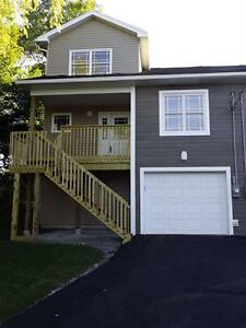 Immaculate Townhouse in Lower Sackville!