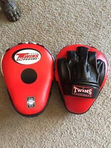 TWINS SPECIAL FOCUS PADS,BRAND NEW FROM THAILAND!!