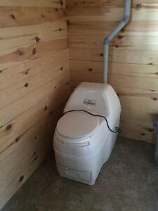 Composting toilet like new