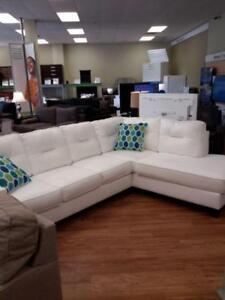 *** USED *** ASHLEY KIRWIN WHITE SECTIONAL   S/N:51288142   #STORE943