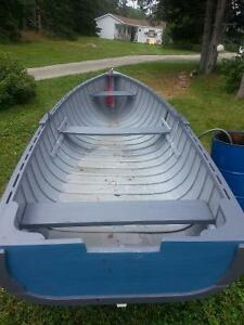 fishing row boat 15 ft in length