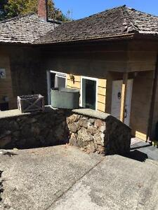 Executive Furnished One Bedroom Watefront Suite, Oct 1st