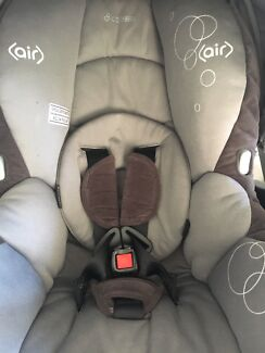 Maxi cosi infant carrier
